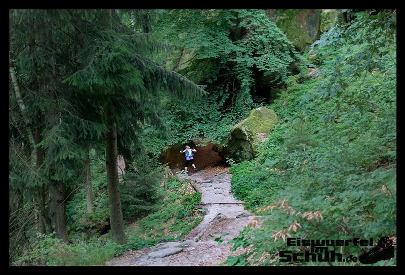 EISWUERFELIMSCHUH – Trail Lauf Saechsische Schweiz Lilienstein Mizuno (27)
