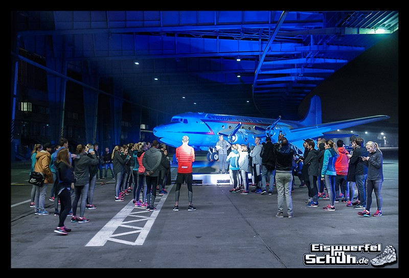 EISWUERFELIMSCHUH – NIKE ZOOM Laufen Berlin Leichtathletik (56)