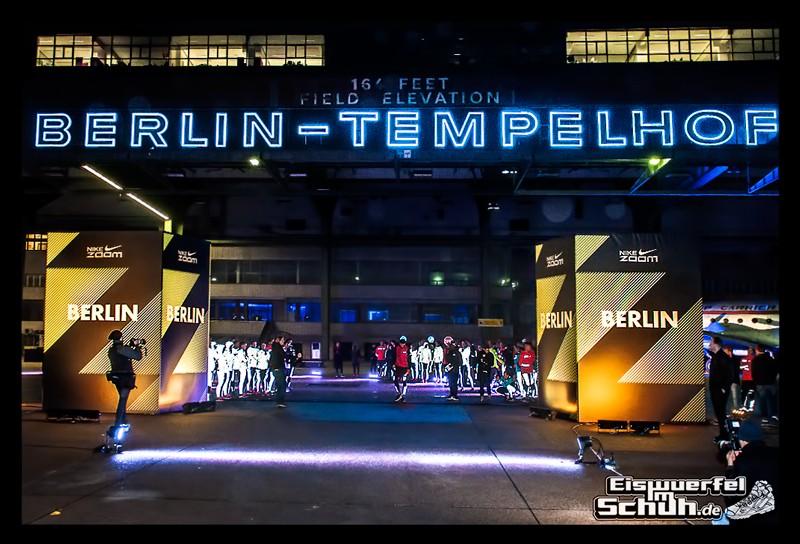 EISWUERFELIMSCHUH – NIKE ZOOM Laufen Berlin Leichtathletik (85)