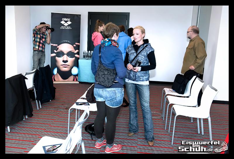 EISWUERFELIMSCHUH – ARENA Powerskin Carbon Schwimmen Interview (21)
