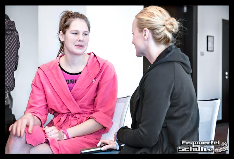EISWUERFELIMSCHUH – ARENA Powerskin Carbon Schwimmen Interview (68)