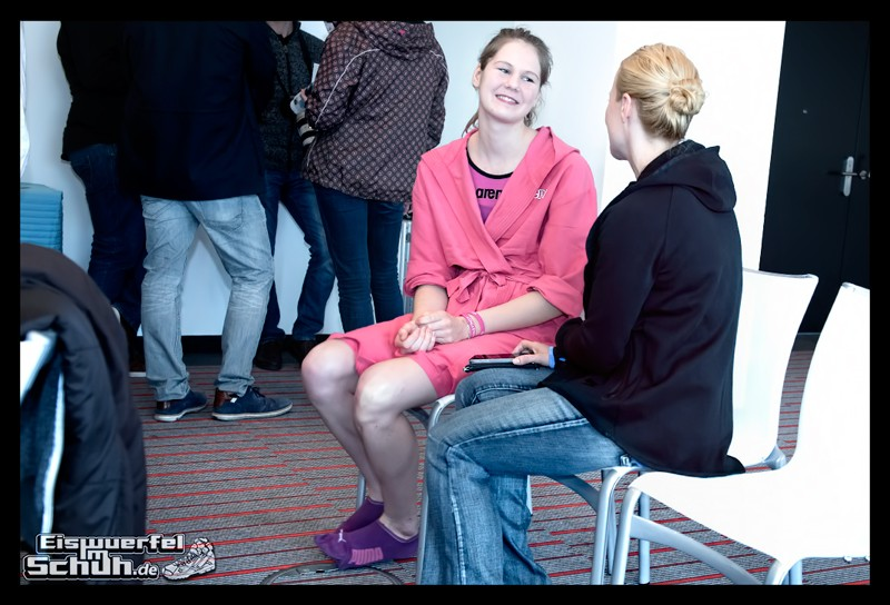 EISWUERFELIMSCHUH – ARENA Powerskin Carbon Schwimmen Interview (70)