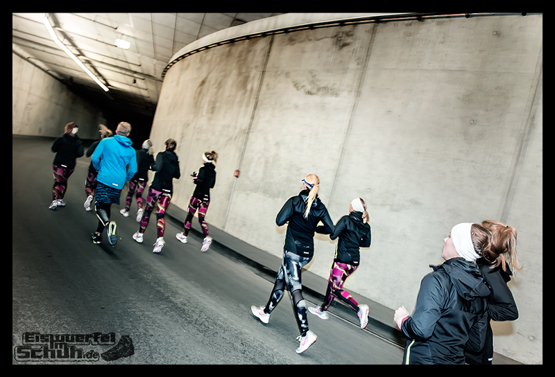 EISWUERFELIMSCHUH – NIKE BERLIN Womens Run Kick Off Olympiastadion (36)
