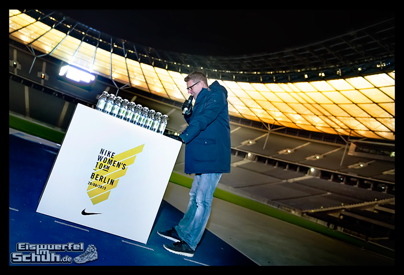 EISWUERFELIMSCHUH – NIKE BERLIN Womens Run Kick Off Olympiastadion (37)