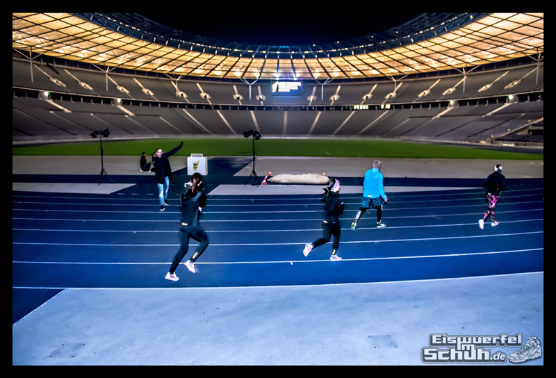 EISWUERFELIMSCHUH – NIKE BERLIN Womens Run Kick Off Olympiastadion (38)