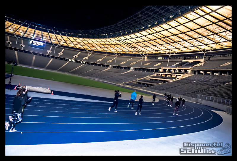 EISWUERFELIMSCHUH – NIKE BERLIN Womens Run Kick Off Olympiastadion (39)