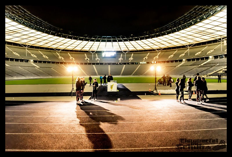 EISWUERFELIMSCHUH – NIKE BERLIN Womens Run Kick Off Olympiastadion (45)