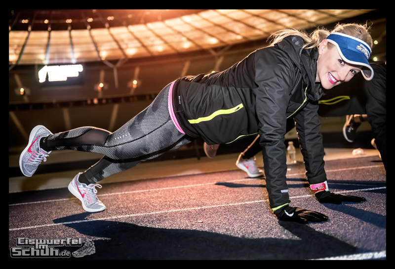 EISWUERFELIMSCHUH – NIKE BERLIN Womens Run Kick Off Olympiastadion (52)