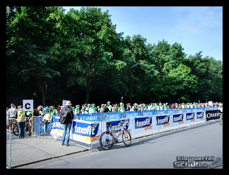 EISWUERFELIMSCHUH – GARMIN VELOTHON BERLIN 2015 Radrennen (10)