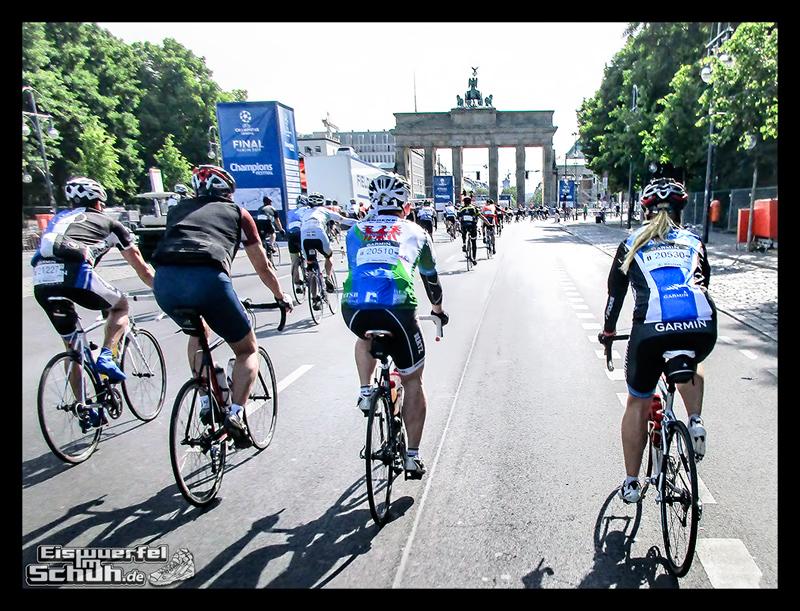 EISWUERFELIMSCHUH – GARMIN VELOTHON BERLIN 2015 Radrennen (19)