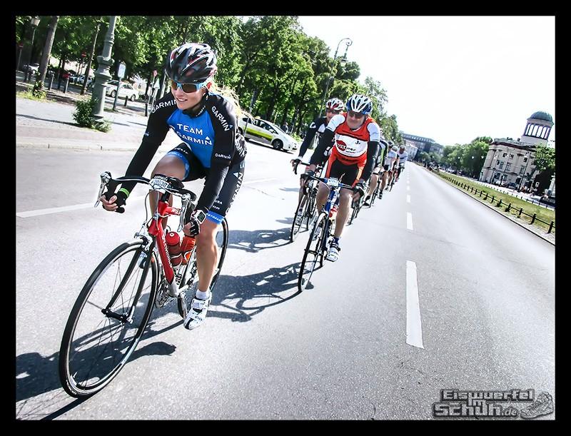 EISWUERFELIMSCHUH – GARMIN VELOTHON BERLIN 2015 Radrennen (23)