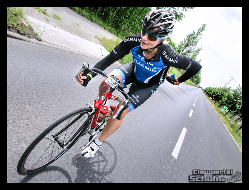 EISWUERFELIMSCHUH – GARMIN VELOTHON BERLIN 2015 Radrennen (33)