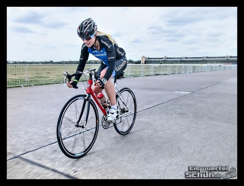 EISWUERFELIMSCHUH – GARMIN VELOTHON BERLIN 2015 Radrennen (41)