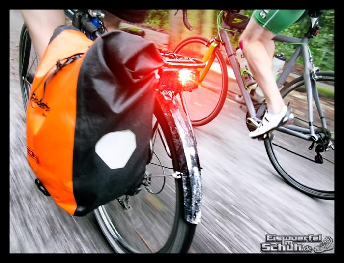 EISWUERFELIMSCHUH – Radgeschichten in der Gruppe (13)