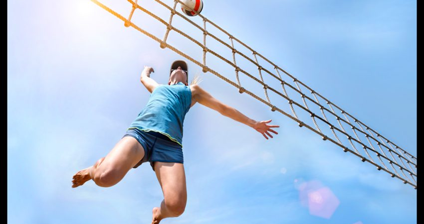 Mit den Profis spielen: 'smart urban playground' Beachvolleyball Workshop mit Julius Brink & Jonas Reckermann
