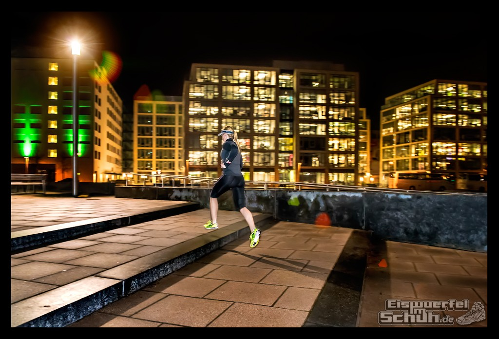 EISWUERFELIMSCHUH – Nacht Lauf 1 Stadt Night Run City Berlin Mizuno Salming Garmin (11)