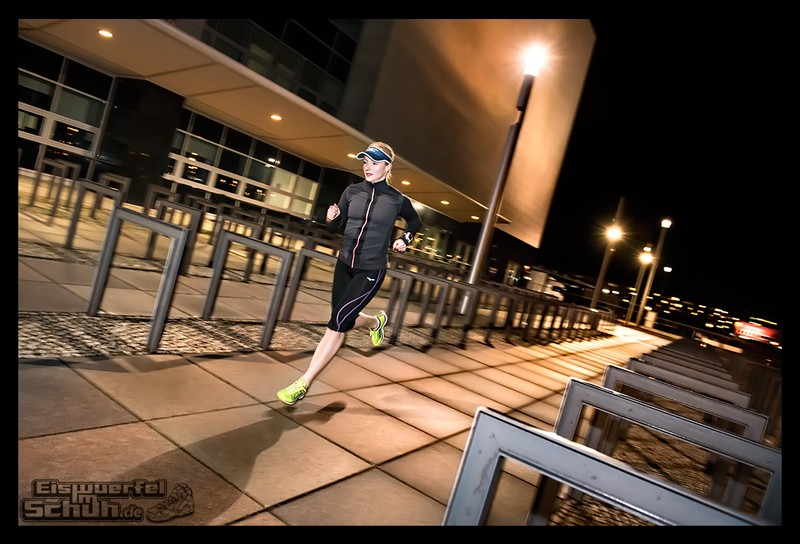 EISWUERFELIMSCHUH – Nacht Lauf 1 Stadt Night Run City Berlin Mizuno Salming Garmin (12)