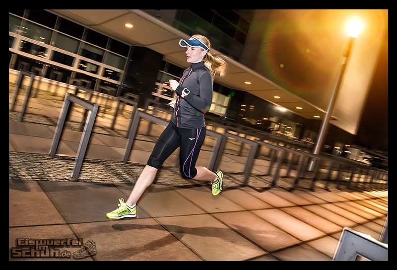 EISWUERFELIMSCHUH – Nacht Lauf 1 Stadt Night Run City Berlin Mizuno Salming Garmin (13)