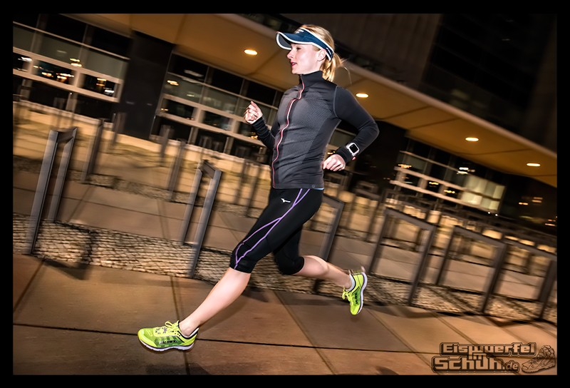 EISWUERFELIMSCHUH – Nacht Lauf 1 Stadt Night Run City Berlin Mizuno Salming Garmin (14)