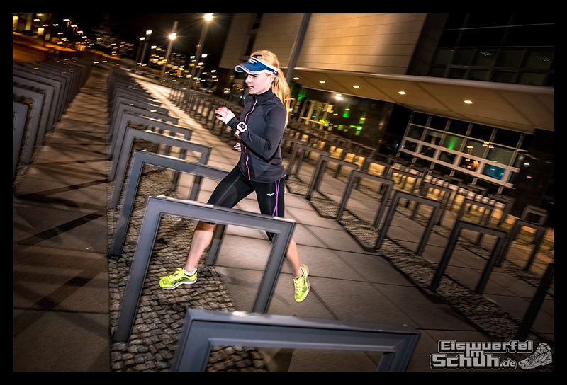 EISWUERFELIMSCHUH – Nacht Lauf 1 Stadt Night Run City Berlin Mizuno Salming Garmin (16)
