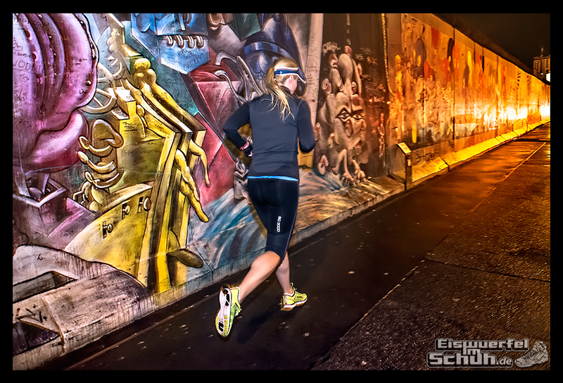 EISWUERFELIMSCHUH - Nacht Lauf 1 Stadt Night Run City Berlin Mizuno Salming Garmin (3)