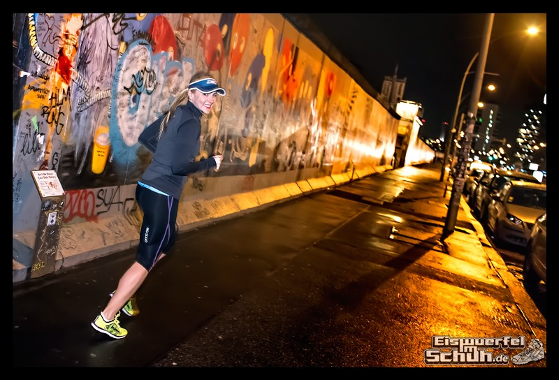 EISWUERFELIMSCHUH - Nacht Lauf 1 Stadt Night Run City Berlin Mizuno Salming Garmin (4)