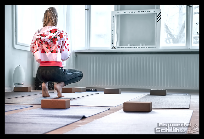 EISWUERFELIMSCHUH – ADIDAS Stella McCartney Collection Berlin Yoga (7)