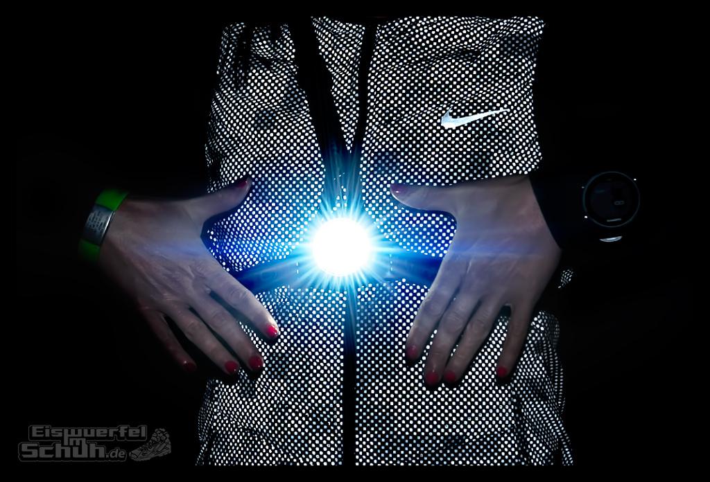 EISWUERFELIMSCHUH – Laufen Bei Dunkelheit TIPS NIKE SKINS New Balance Garmin (4)