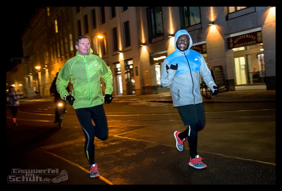 EISWUERFELIMSCHUH – New Balance Opening Berlin Lauf Fitness Lifestyle (43)