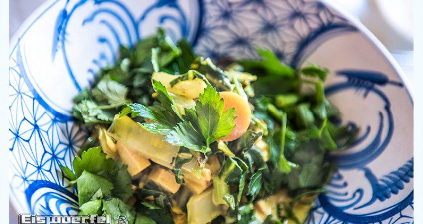 Eiswuerfel Im Schuh kocht – schnell! Sommergelbes Mangoldgemüse (vegan)