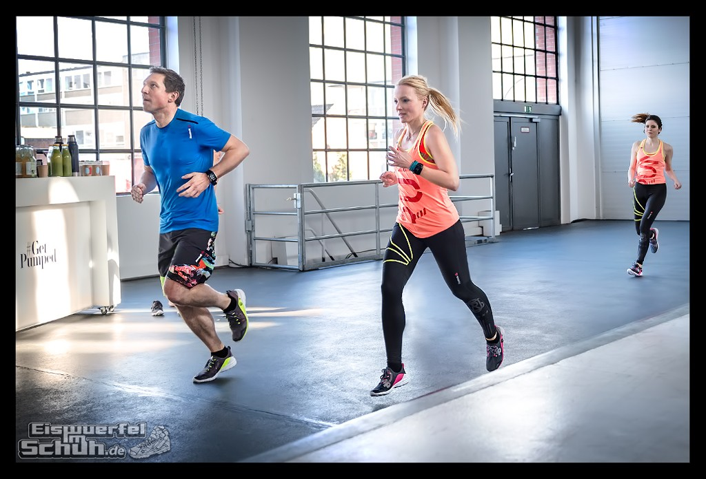 EISWUERFELIMSCHUH – Reebok ZPump Fusion Fitness Training (107)