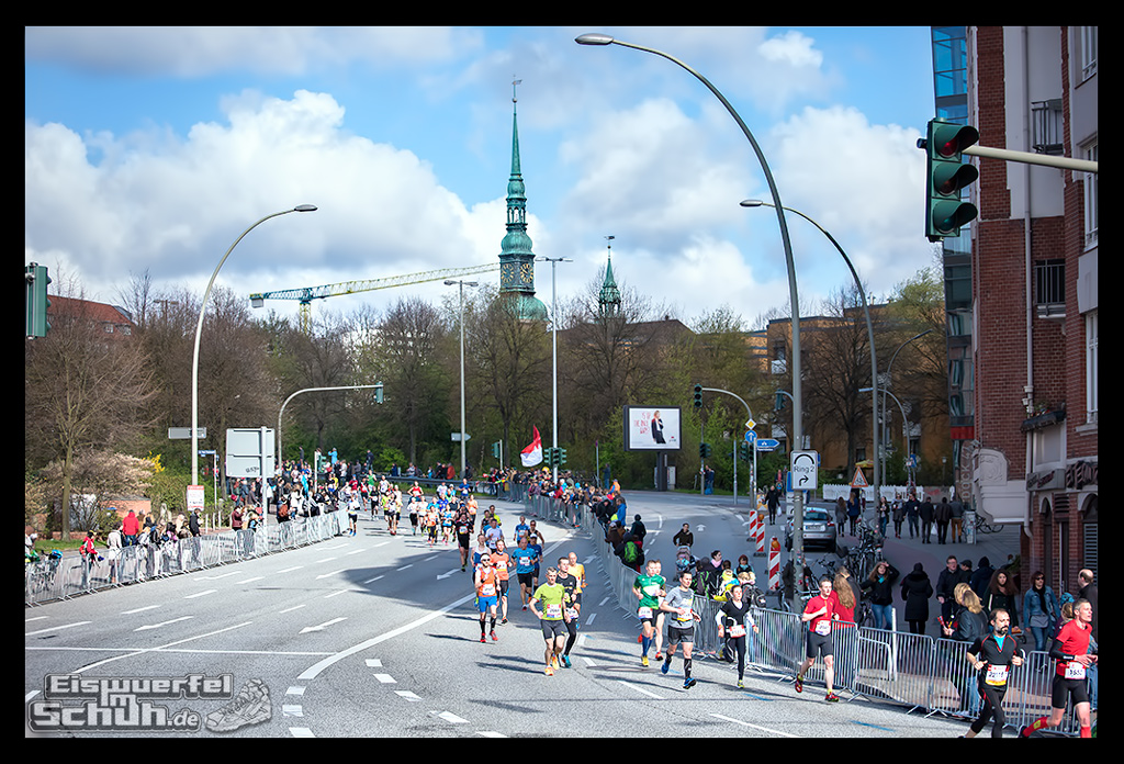 EISWUERFELIMSCHUH – Hamburg Marathon Laufen Haspa Mizuno (15)