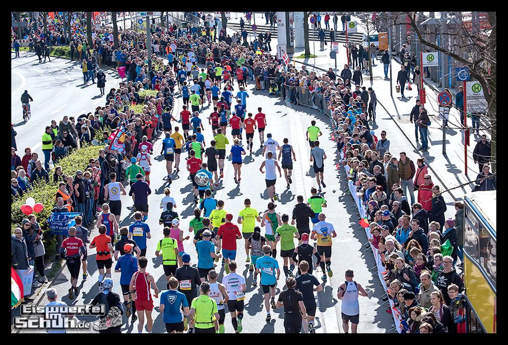 EISWUERFELIMSCHUH – Hamburg Marathon Laufen Haspa Mizuno (16)