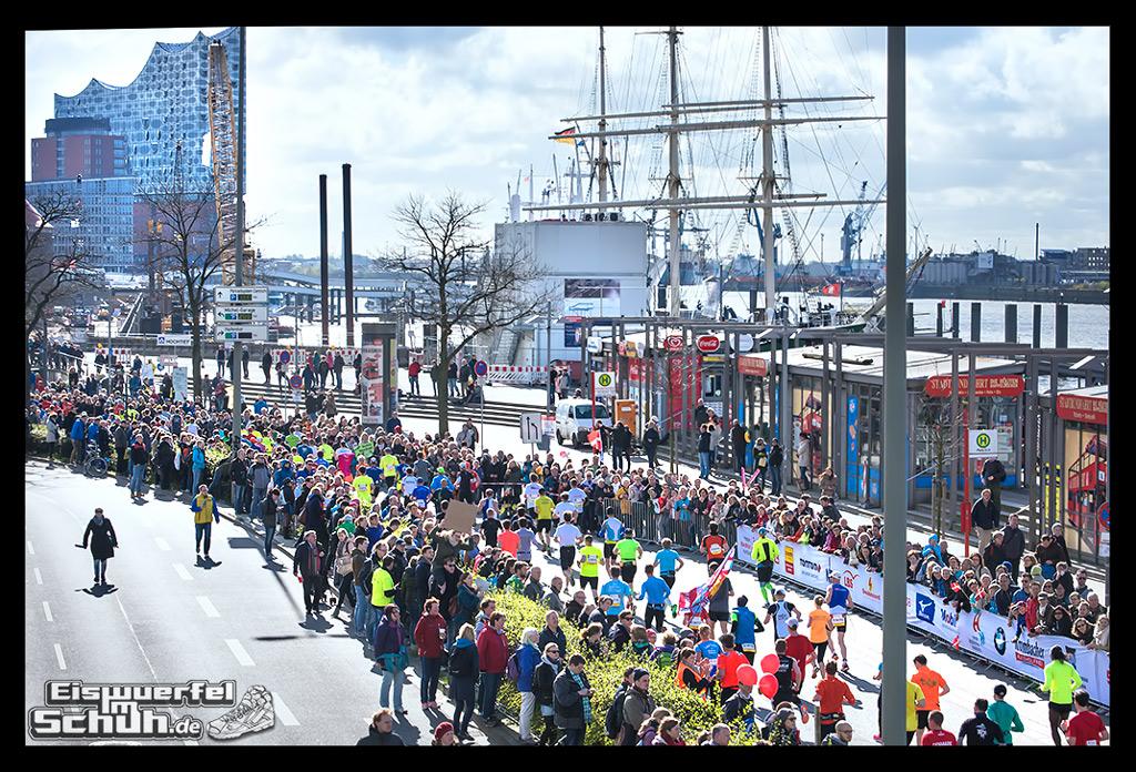 EISWUERFELIMSCHUH – Hamburg Marathon Laufen Haspa Mizuno (17)