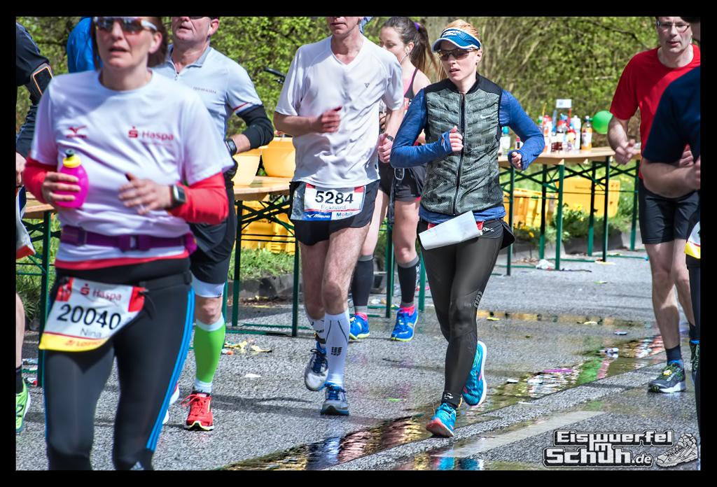 EISWUERFELIMSCHUH – Hamburg Marathon Laufen Haspa Mizuno (21)