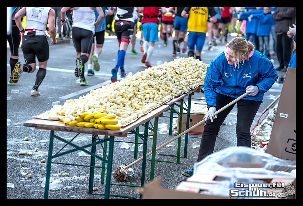 EISWUERFELIMSCHUH – Hamburg Marathon Laufen Haspa Mizuno (24)