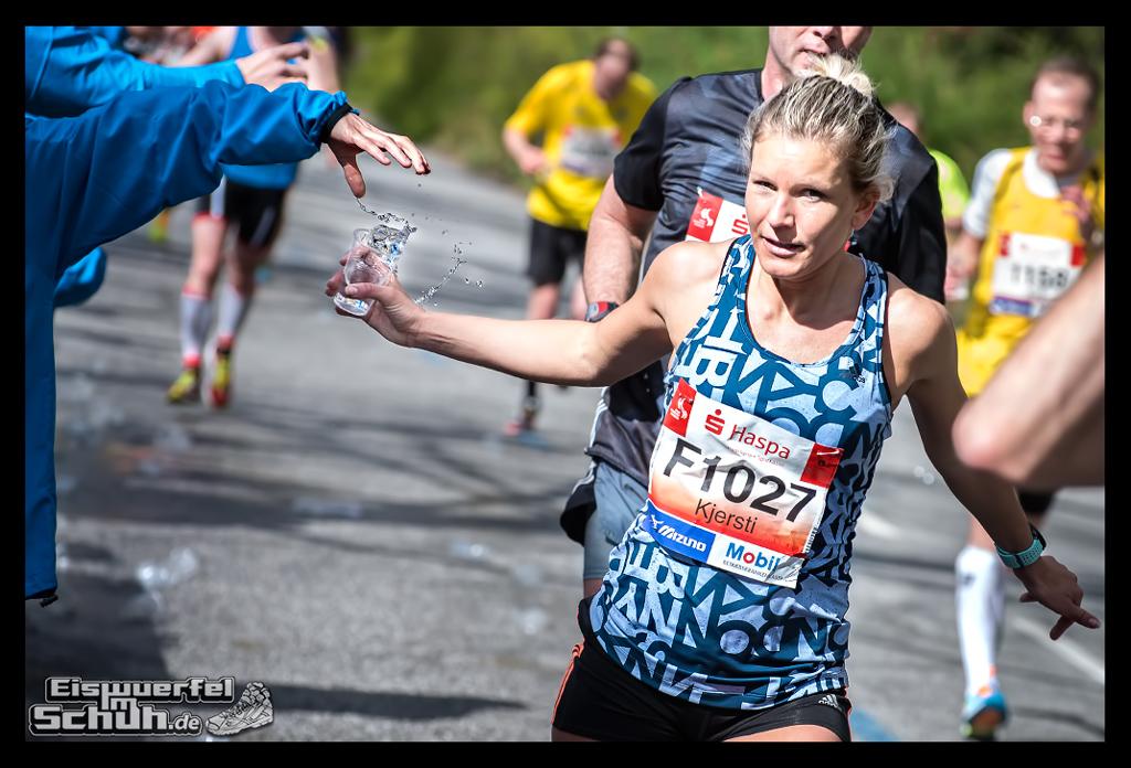EISWUERFELIMSCHUH – Hamburg Marathon Laufen Haspa Mizuno (34)