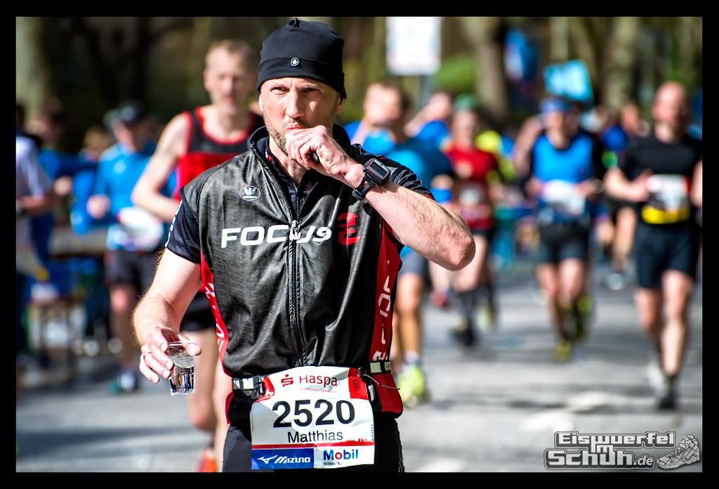 EISWUERFELIMSCHUH – Hamburg Marathon Laufen Haspa Mizuno (48)