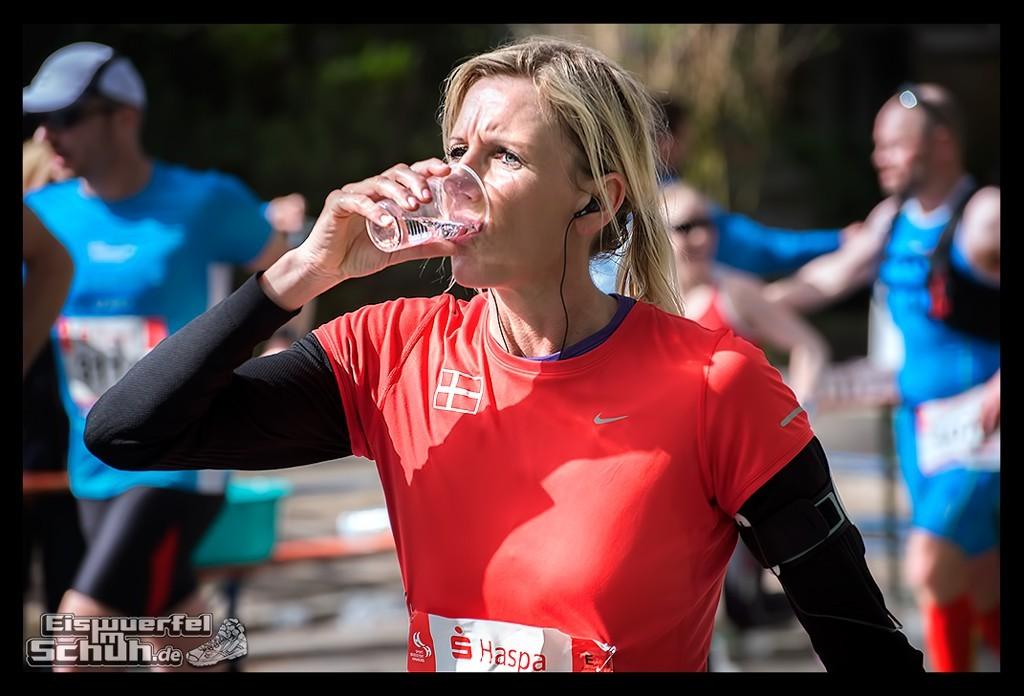 EISWUERFELIMSCHUH – Hamburg Marathon Laufen Haspa Mizuno (50)