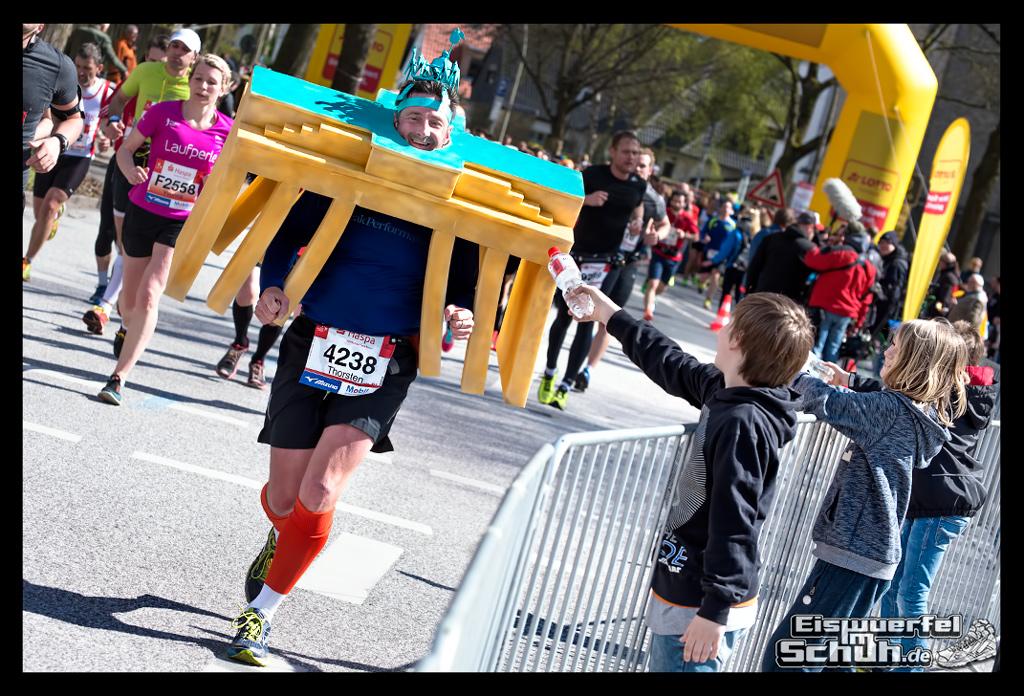 EISWUERFELIMSCHUH – Hamburg Marathon Laufen Haspa Mizuno (57)