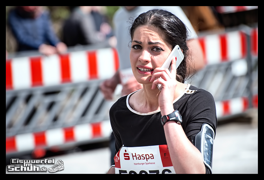 EISWUERFELIMSCHUH – Hamburg Marathon Laufen Haspa Mizuno (65)