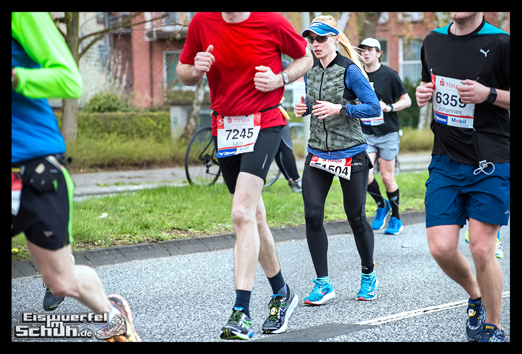 EISWUERFELIMSCHUH – Hamburg Marathon Laufen Haspa Mizuno (67)