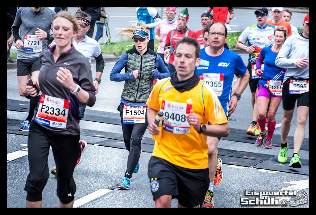 EISWUERFELIMSCHUH – Hamburg Marathon Laufen Haspa Mizuno (68)