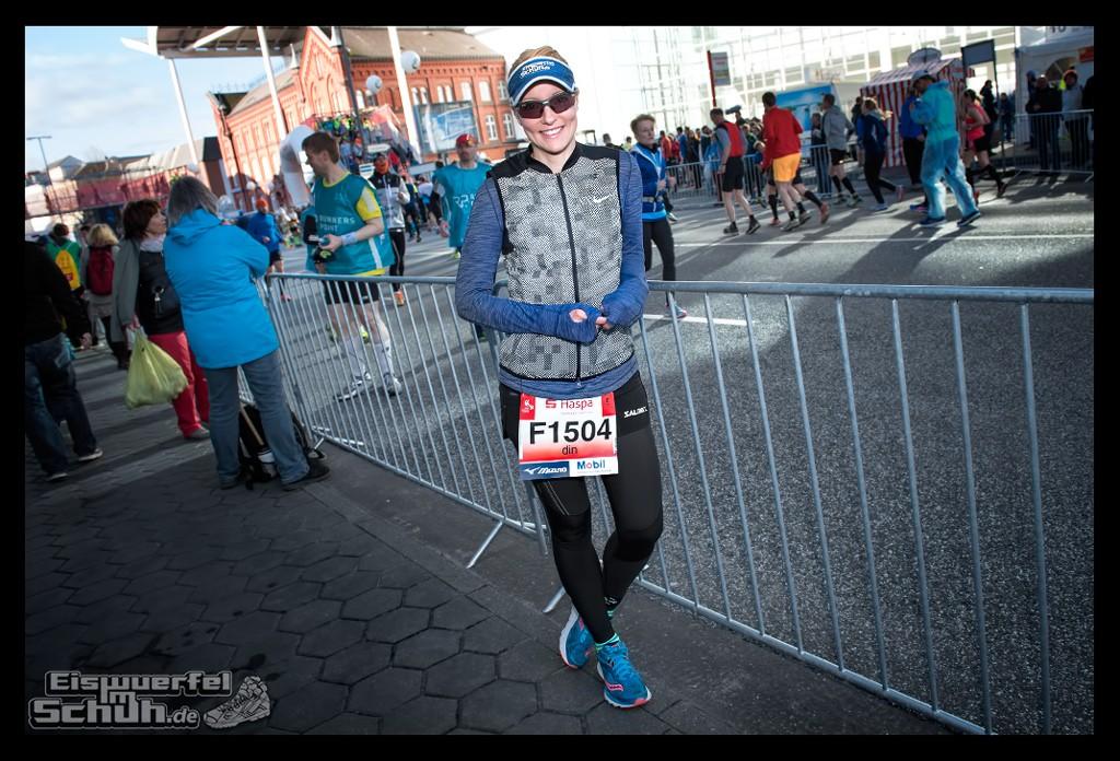 EISWUERFELIMSCHUH – Hamburg Marathon Laufen Haspa Mizuno (7)