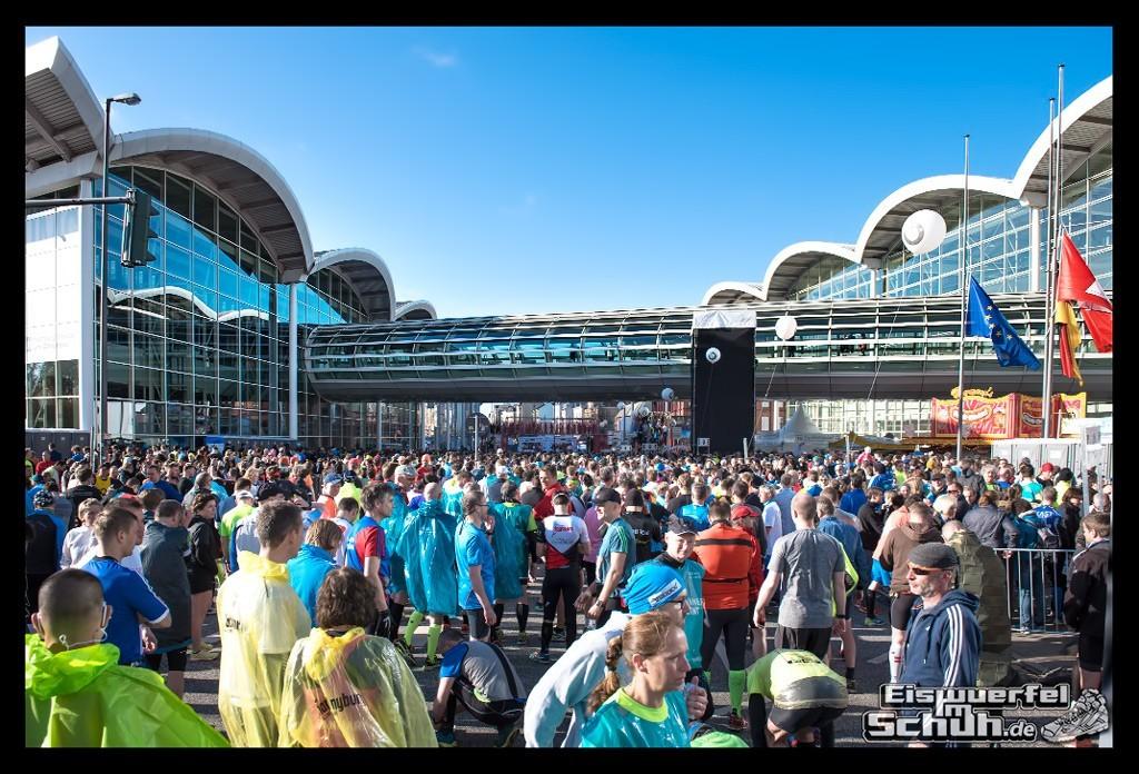 EISWUERFELIMSCHUH – Hamburg Marathon Laufen Haspa Mizuno (8)