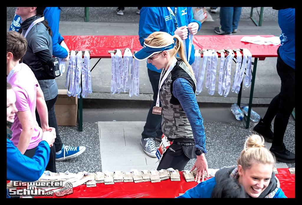 EISWUERFELIMSCHUH – Hamburg Marathon Laufen Haspa Mizuno (80)