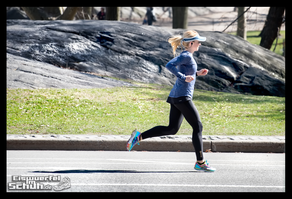 EISWUERFELIMSCHUH – Laufen Im Central Park Von New York (47)