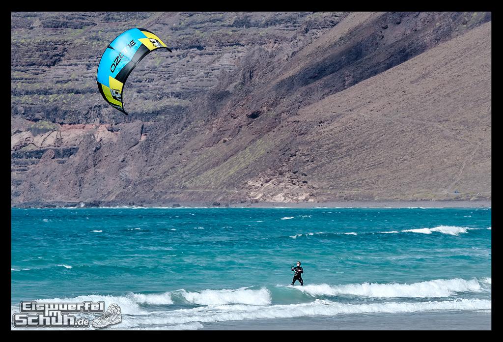 EISWUERFELIMSCHUH – Surfgeschichten Lanzarote Famara Surfen Kite I (12)