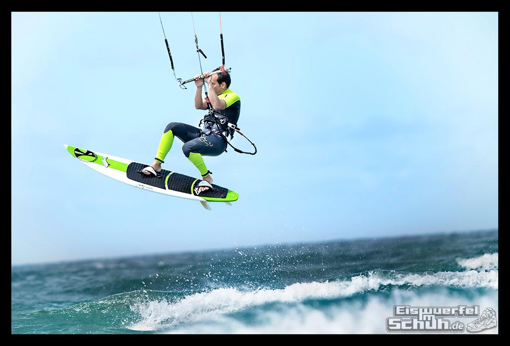 EISWUERFELIMSCHUH – Surfgeschichten Lanzarote Famara Surfen Kite I (13)