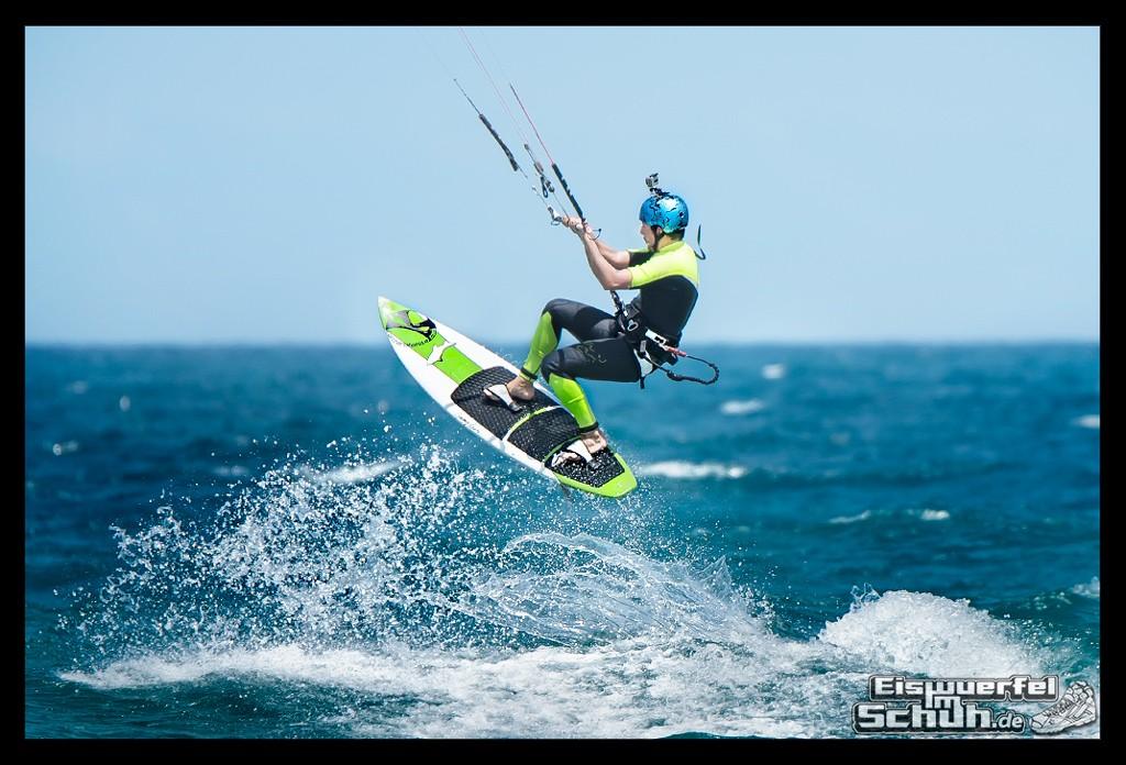 EISWUERFELIMSCHUH – Surfgeschichten Lanzarote Famara Surfen Kite I (16)